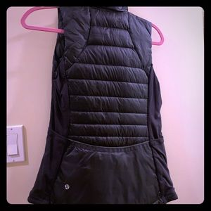 Lululemon black puffer vest worn once size 4